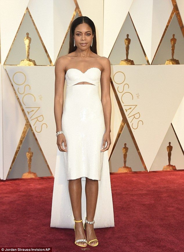 Oscars 2017: Naomie Harris displays toned physique | Daily