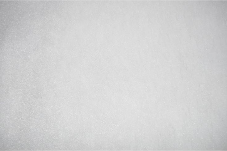 Tejido de pelo blanco de carnaval con caída, suave y agradable. Disponible en varios colores. Ideal para disfraces de gorila, conejo, perro o para confección de cuellos..#pelo #corto #colores #caído #suave #agradable #confección #cuellos #mangas #disfraces #carnaval #oso #perro #conejo #tela #telas #tejido #tejidos #textil #telasseñora #telasniños #comprar #online #comprartelas #compraronline