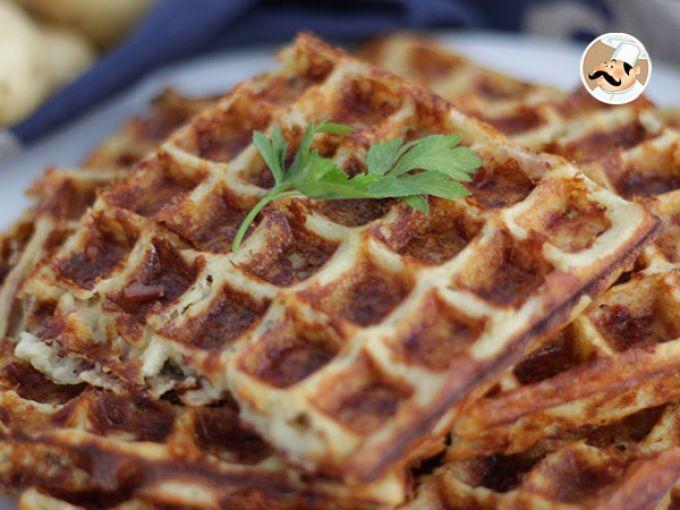 Ricetta Portata principale : Waffle di patate con bacon e formaggio da…