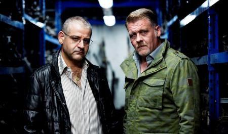 Critique de Gomorra, saison 2, une série intense de Stefano Sollima, Claudio Cupellini, Francesca Comencini et Claudio Giovannesi, d'après Roberto Saviano.