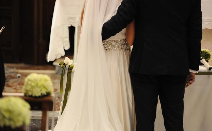 La scelta di un tema, il cui significato racconta di una storia d'amore connessa profondamente all'umanità.  Amatelier progetta l'evento ed entra in scena.  http://www.amatelier.com/rubriche/amawedding/item/492-sulle-tracce-dulivo