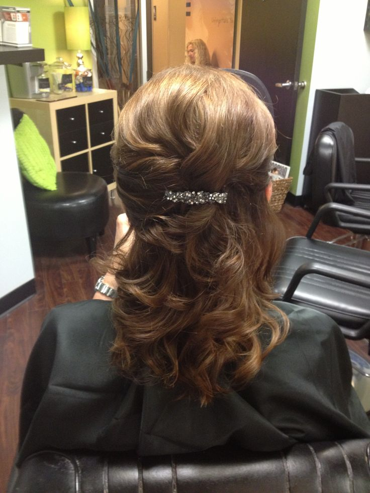 Wedding hair. Mother of the bride