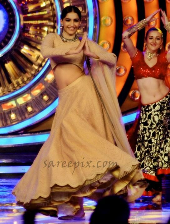 """#Sonam kapoor lehenga dance photos on the sets ofBig Boss at """"Prem Ratan Dhan Payo (PRDP)"""" movie promotions. Her look while dancing was very hot."""