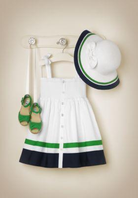 vestido con Sombrero y zapatos