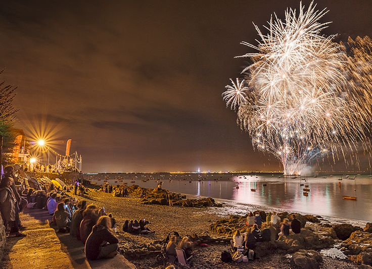 1322 Fireworks Seaview Regatta - Seaview and Priory Bay landscapes