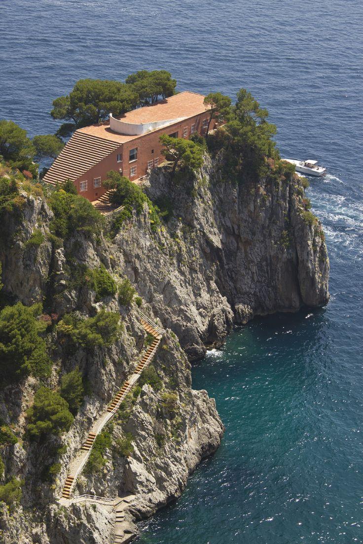 """La Villa Malaparte, située à Capri, est à l'affiche du 69e festival de Cannes en 2016. Film """"Le Mépris"""" de Jean-Luc Godard."""