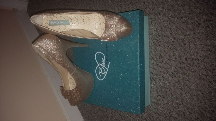 Betsey Johnson Gold Shiny Heel with grip #BetseyJohnson #PumpsClassics #SpecialOccasion