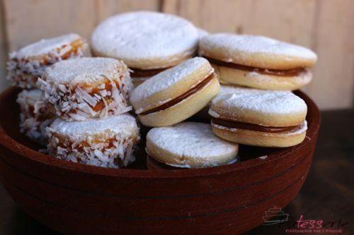 Alfajores is mijn favoriete koekje in Zuid Amerika. Met tips van locals en een peruaanse bakker deel ik hier mijn beste recept voor deze heerlijke koekjes