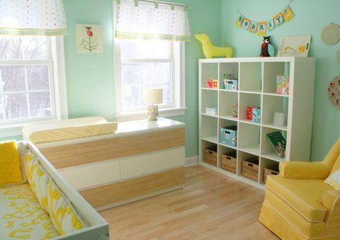 мятные стены в детской комнате