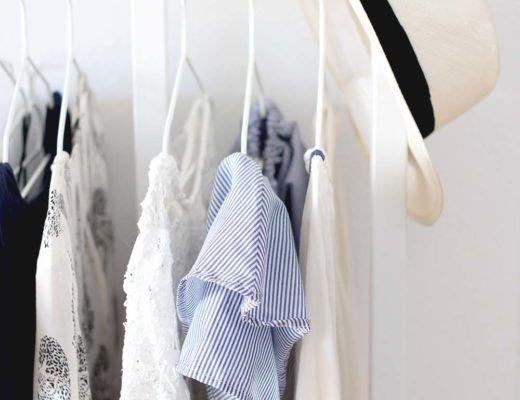 die 25 besten ideen zu minimalistischer kleiderschrank auf pinterest minimalistischer. Black Bedroom Furniture Sets. Home Design Ideas