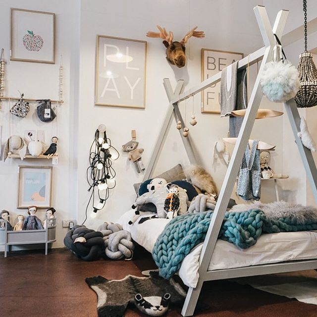 Take a look at the gorgeous @thelittlepopupshop on my blog. It's got everything you could ever dream of for the most gorgeous curated kids spaces. Link in profile. #thelittlepopupshop #kidsinteriors #interiorstyling #nordic #scandi
