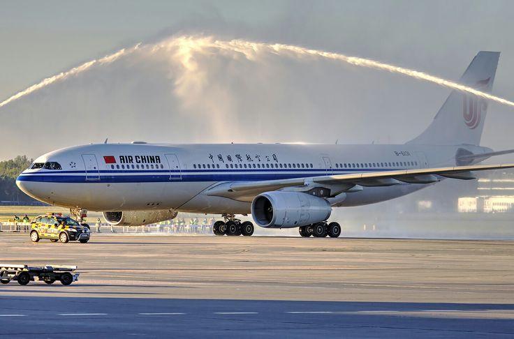Powitanie A330 linii Air China na Lotnisku Chopina. Przewoźnik uruchomił regularne połączenie Pekin-Warszawa. Fot. Marek Kwasowski