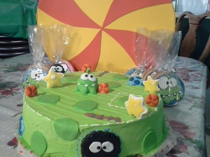 galletas pastel y piata decoradas de de om nom cut the rope decorated cookies