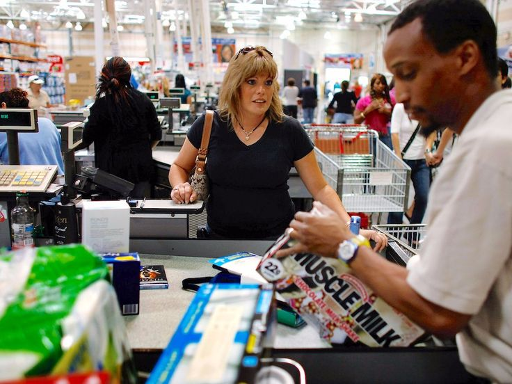 A surprising consequence of Costco's credit card swap leaves two customers furious (COST) #Correctrade #Trading #News