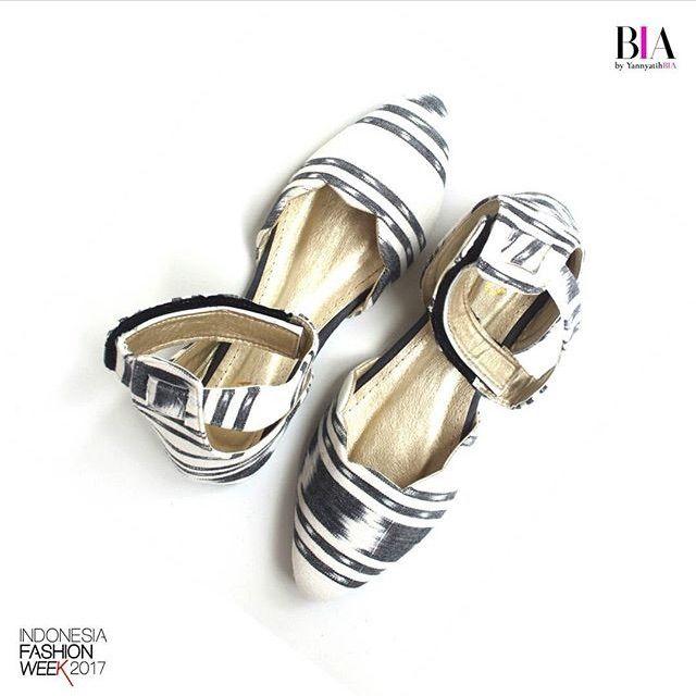 Saya menjual Flatshoes Ilena White seharga Rp179.000. Dapatkan produk ini hanya di Shopee! https://shopee.co.id/sylviaoryza/173590793 #ShopeeID