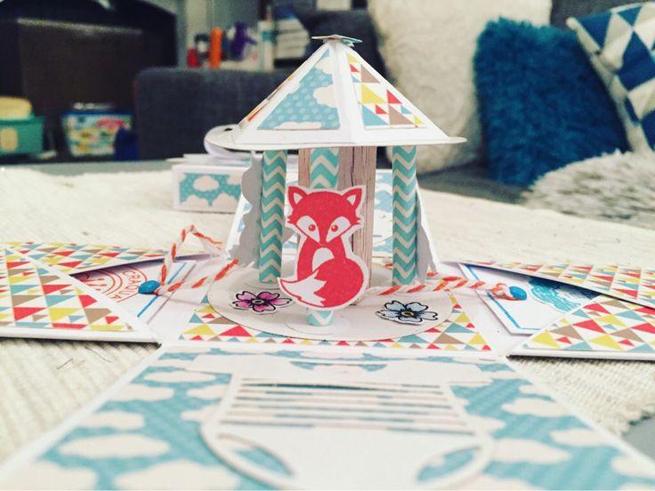 Tarjeta explosiva con carrusel en su interior.  #cards #tarjeta #manualidades #diy #craft