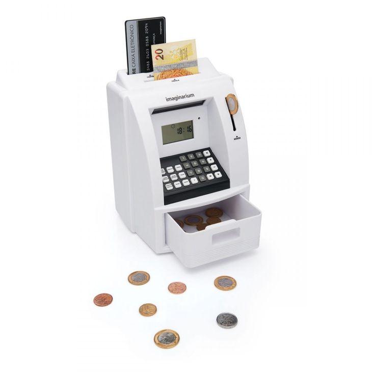"""<div class=""""product-content-section"""">    Um caixa eletrônico completo na sua casa. Para fazer depósitos e sacar dinheiro! Possui até relógio, alarme e calculadora. Digite a sua senha e faça todas as suas transações! Economize de um jeito mais divertido.    </div>  <div class=""""product-content-section""""></div>"""