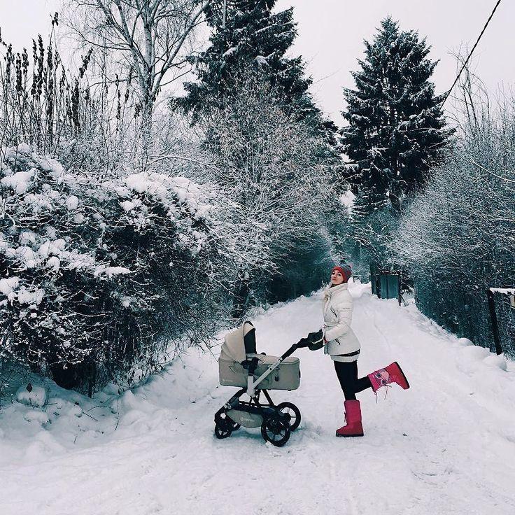 Enjoying every season!  #winter #cold #white #snow #snowing #whitewinter #whitetrees #mother #motherhood #stroll #stroller #pushchair #concord #concordwanderer #kinderwagen #poussette #passeggino #mum #mummy #mom #mommy #baby #bebe #repost @