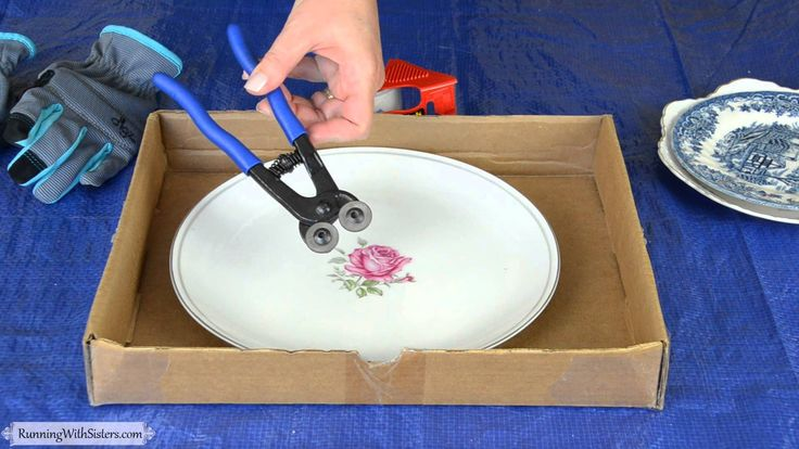 Broken china mosaics are so charming. In this mini lesson, learn to to use tile nippers and wheel cutters to break china plates into tiles for mosaics.
