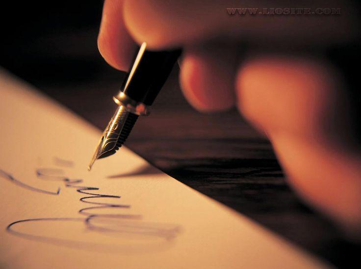 """Una poesia che sa di guerra, di dolore, di morte, ma anche di amore per i genitori.  """"Se dovrai scrivere alla mia casa, Dio salvi mia madre e mio padre, la tua lettera sarà creduta mia e sarà benvenuta. Così la morte entrerà e il fratellino la festeggerà. Non dire alla povera mamma che io sia morto solo. Dille che il suo figliolo più grande, è morto con tanta carne cristiana intorno. Se dovrai scrivere alla mia casa, [...]""""  #corradoalvaro, #guerra,genitori, poesia, #italiano,"""