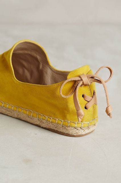 detalle de unos zapatos hermosos