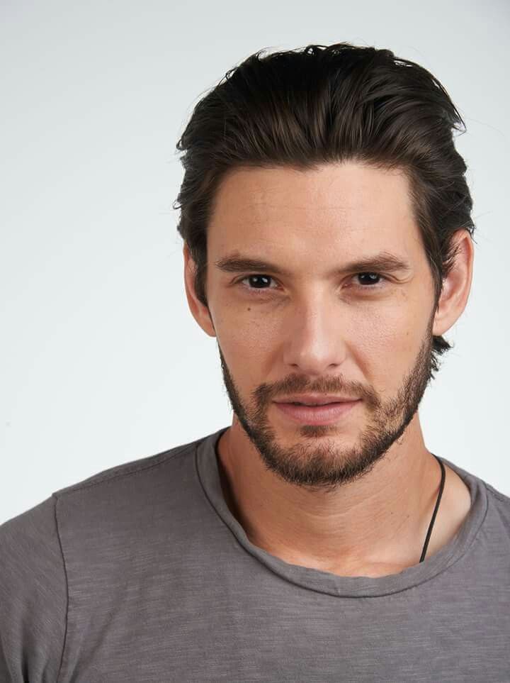 Ben Barnes (August 20, 1981) British actor, o.a. known from the movie of 'The Chronicles of Narnia'.