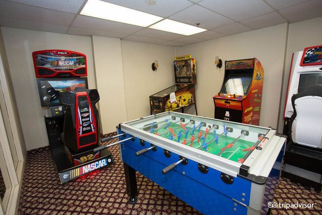 Send the kids to down to our games room to have some fun! Located off of our indoor pool, this room is sure to keep the kids busy during your visit.