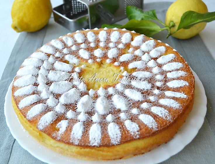 Buonasera a tutti, eccomi quasi a conclusione di questa giornata proponendovi un dolce fresco e profumato al limone adatto per il pranzo di domani. Ora vi