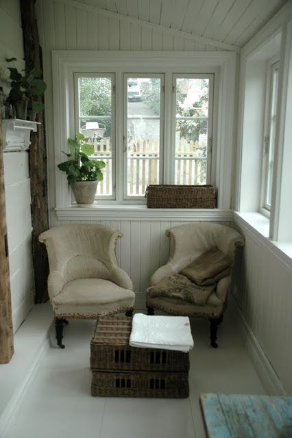 small space - cosy chair lovingly repinned by www.skipperwoodhome.co.uk