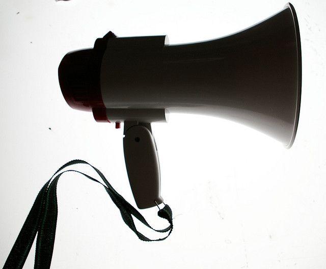 This is not a social media megaphone | Flickr: Intercambio de fotos