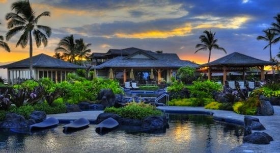 Newer Luxury Condo - Exceptional Value - Beautiful Property . Hali'i Kai is just minutes away from beautiful sandy beaches, world class golf, shopping, rest...