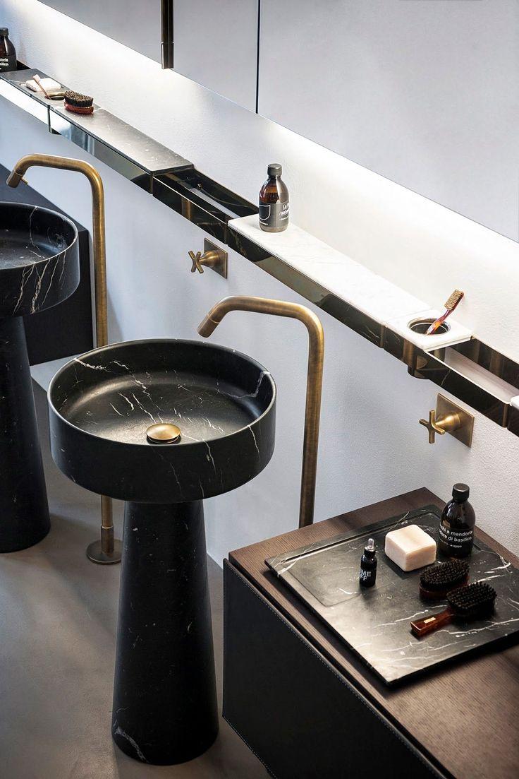 85 идей аксессуаров для ванной комнаты: создаем уют и красоту http://happymodern.ru/aksessuary-dlya-vannojj-komnaty/ Стильные аксессуары медного цвета в сочетании с черной сантехникой