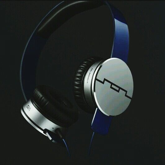 Tracks HD V10