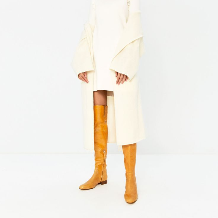 Image 1 of OVER-THE-KNEE FLAT LEATHER BOOTS from Zara