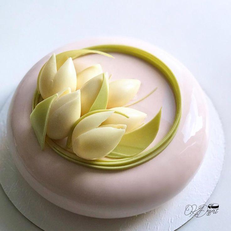 Сезон тюльпанов на тортах 365 дней в году. Подумываю, скоро, начать посыпать их «снегом»