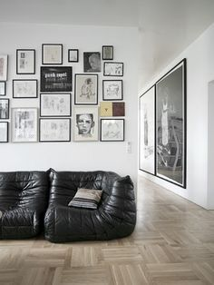 Join us and discover de best selection of midcentury modern black interior design inspirations at http://essentialhome.eu/