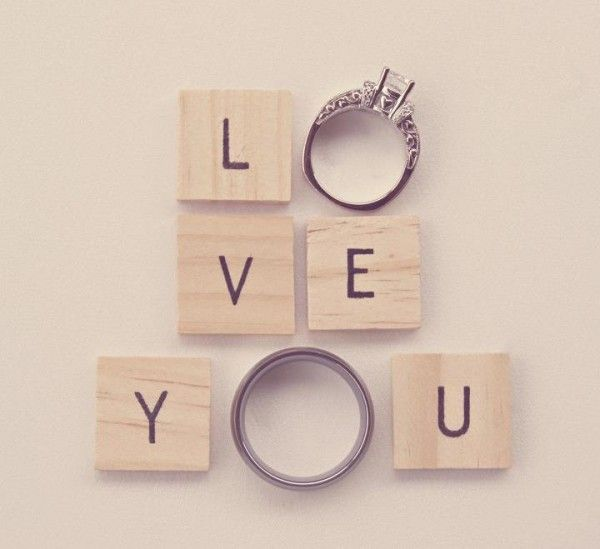 Creative idea for wedding ring photos!