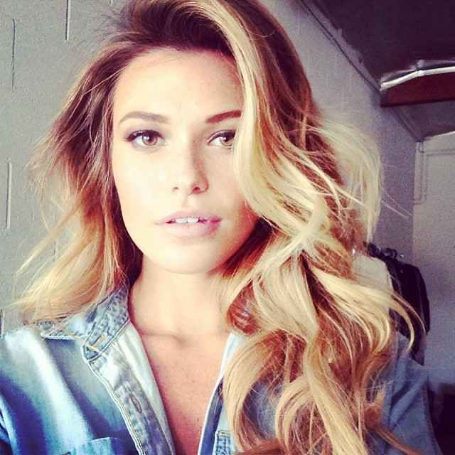 45 Gorgeous Photos Of Samantha Hoopes, Your New Favorite Swimsuit Model - Airows