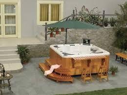 resultado de imagem para patios pequeos con jacuzzi