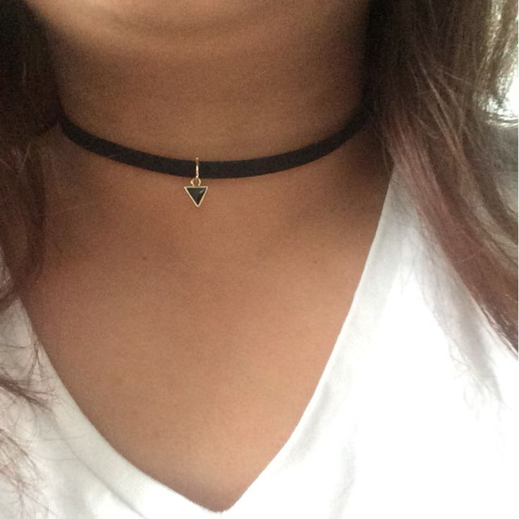 New Brand Punk Necklace Women Short Black Velvet Choker Necklaces With Triangle Faux Stone From India Christmas Gift X80