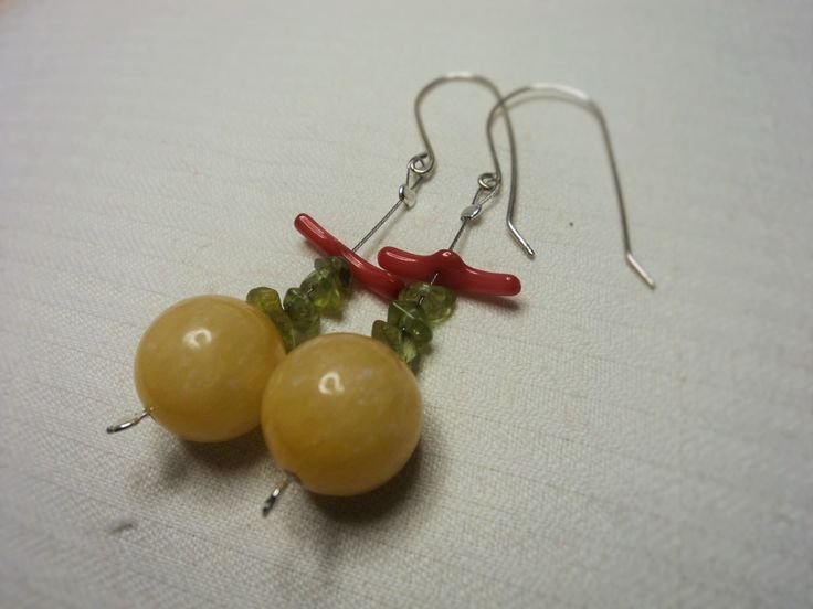 Dangle Earrings (about 2.7'' height). Yellow agate spheres combined with peridot chips and red coral. Sterling Silver Ear Hooks.