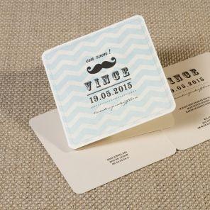 Geef je uitnodiging een grappige touch met dit leuke snorrenkaartje. Zowel voorkant als binnenkant worden bedrukt.Klik op 'Maak je kaart' en ontwerp je eigen creatie.
