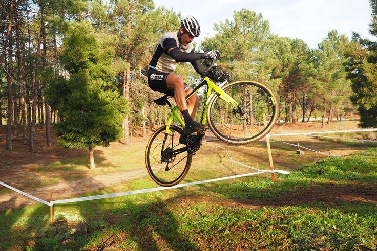 El Puente de la Constitución y el Ciclocross por Pirucho Pequeno http://valwindcycles.es/blog/puente-la-constitucion-ciclocross-pirucho-pequeno