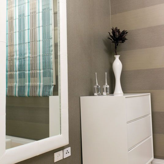 1000 images about white frames for mirrors on pinterest for Small white framed mirrors