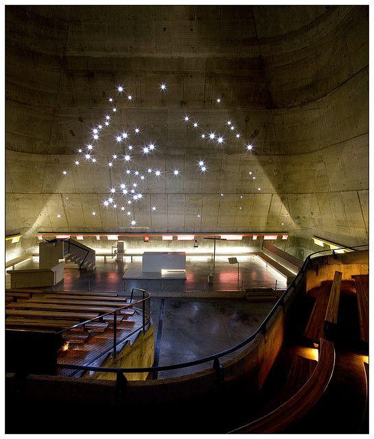glise Saint-Pierre. Le corbusier. Firminy, Loire