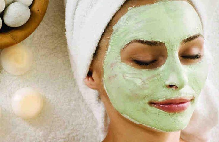 Эта замечательная маска по праву называется маской с мгновенным лифтинг-эффектом. Дело в том, что компоненты маски воздействуют на эпидермис таким образом, что кожа моментально подтягивается, повышаются её упругость и тонус. Уже после первого применения наблюдается выраженный омолаживающий эффект. А