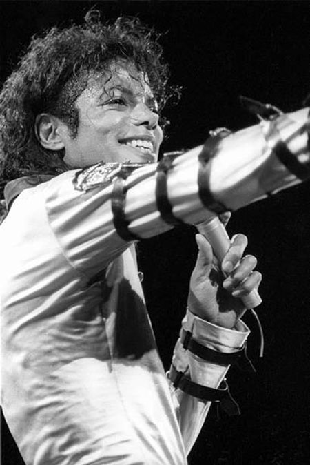 MJ-my favorite tour outfit of his :)  (For the BAD tour)