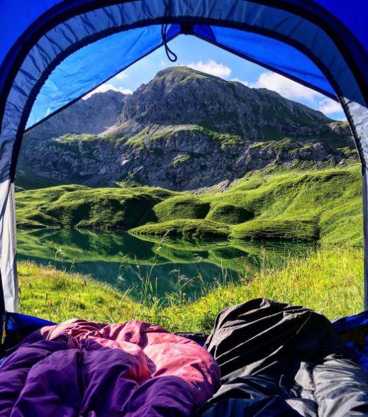 Du willst nach Island und einfach mal wild zelten? Am Schrecksee in den Bayerischen Alpen hast du auch so eine Natur und da musst du nicht hinfliegen. Super, oder?