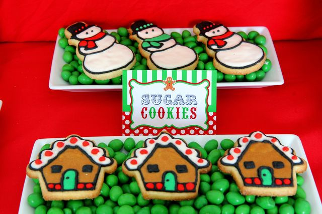Cute way to display cookies: Christmas Food, Holiday Parties, Christmas Cookies, Birthday Parties, Christmas Sweets, Holiday Cookies, Christmas Sugar Cookies, Christmas Tables Decor, Diy Christmas