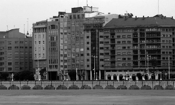 Reordenación do borde litoral (Orzán): para saber mais sobre este proxecto de Carlos Ferradás, Borja Docampo e Alexandre Pérez accede a http://www.galarq.com/gl/proxecto-de-reordenacion-do-borde-litoral-na-ensenada-do-orzan/